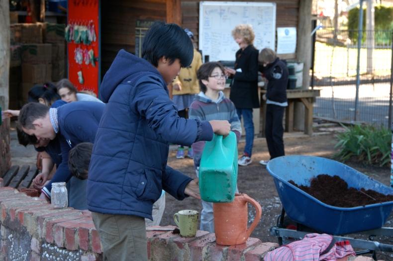 3-D GARDEN-KIDS PLANTING
